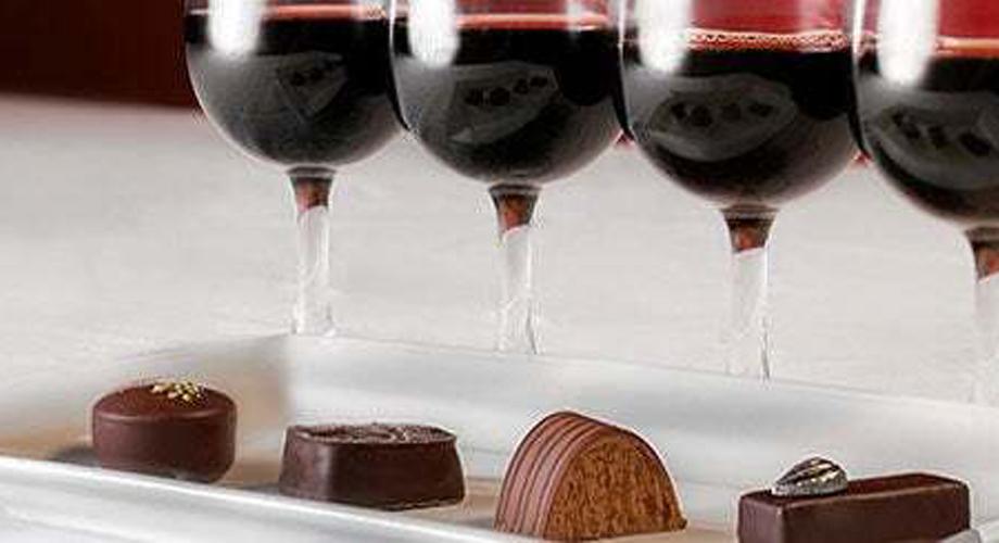 Desmistificando a Relação Vinho vs. Chocolate